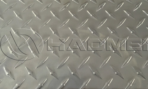 an aluminum checker plate of 1 rib